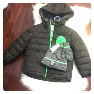 NWT Carters Puffer Jacket with Hat and Gloves, 4T